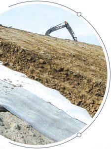 Profilowanie i umocnienie skarp geosyntetykami